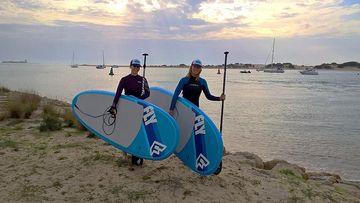 Foto von Claudia Niehus und Kollegin von SUP Surf Sylt am Strand