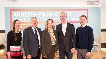 Foto der Teilnehmenden des ersten Arbeits-Früh-Stücks in Bonn